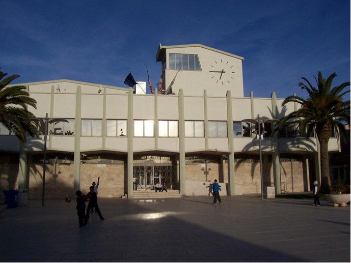 Il palazzo comunale di Porto Torres